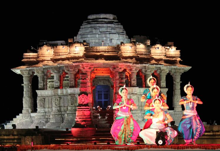 sun temple modhera and dancers